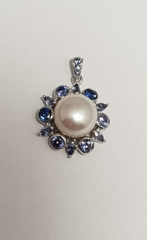 VP08024 Freshwater pearl pendant with coloured tanzanite cz R1290